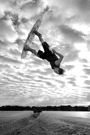 6e223b0575e3f82a65d2bc637d454f29--wake-board-wakeboarding
